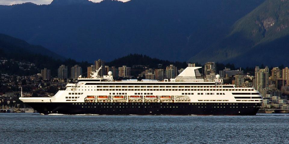 cruise-ship-banner